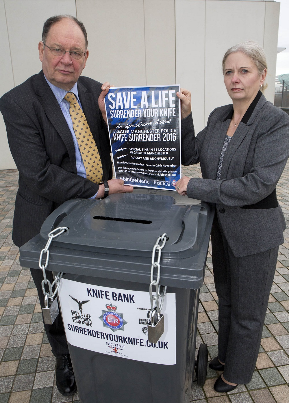 deputy-police-and-crime-commissioner-jim-battle-and-dci-debbie-dooley-from-the-serious-crime-division-manchester-police-3